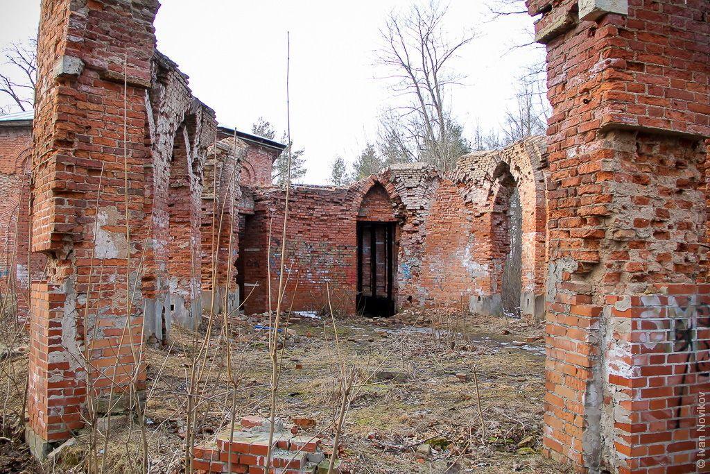 Babolovsky palace